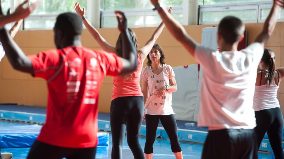 Classe d'educació física a la UVic-UCC