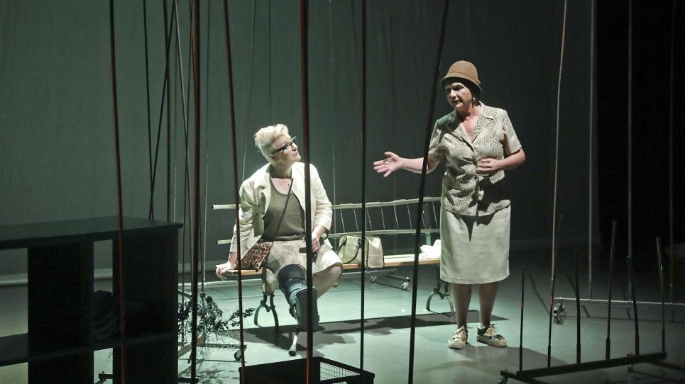 Estrenada l'obra Normals, amb la participació de membres de l'Aula de Teatre de la UVic