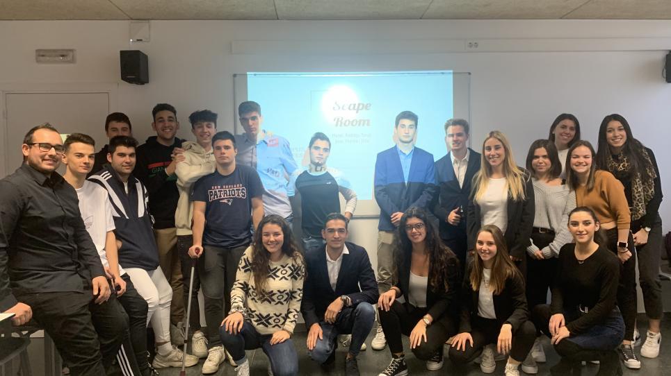 Alumnes del CFGS Marqueting i Publicitat queden finalistes als premis Dualiza Bankia